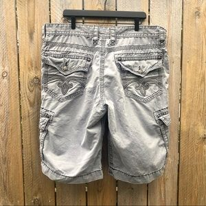 🌻Rock Revival | Classic Cargo Shorts Size 40/24